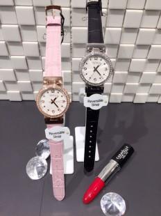 リバーシブルのファッション時計でお洒落を2倍楽しむ