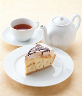 ハンドメイドのフレッシュケーキとオリジナルブレンドティ