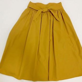 女性らしさを強調!サッシュベルト風スカート!